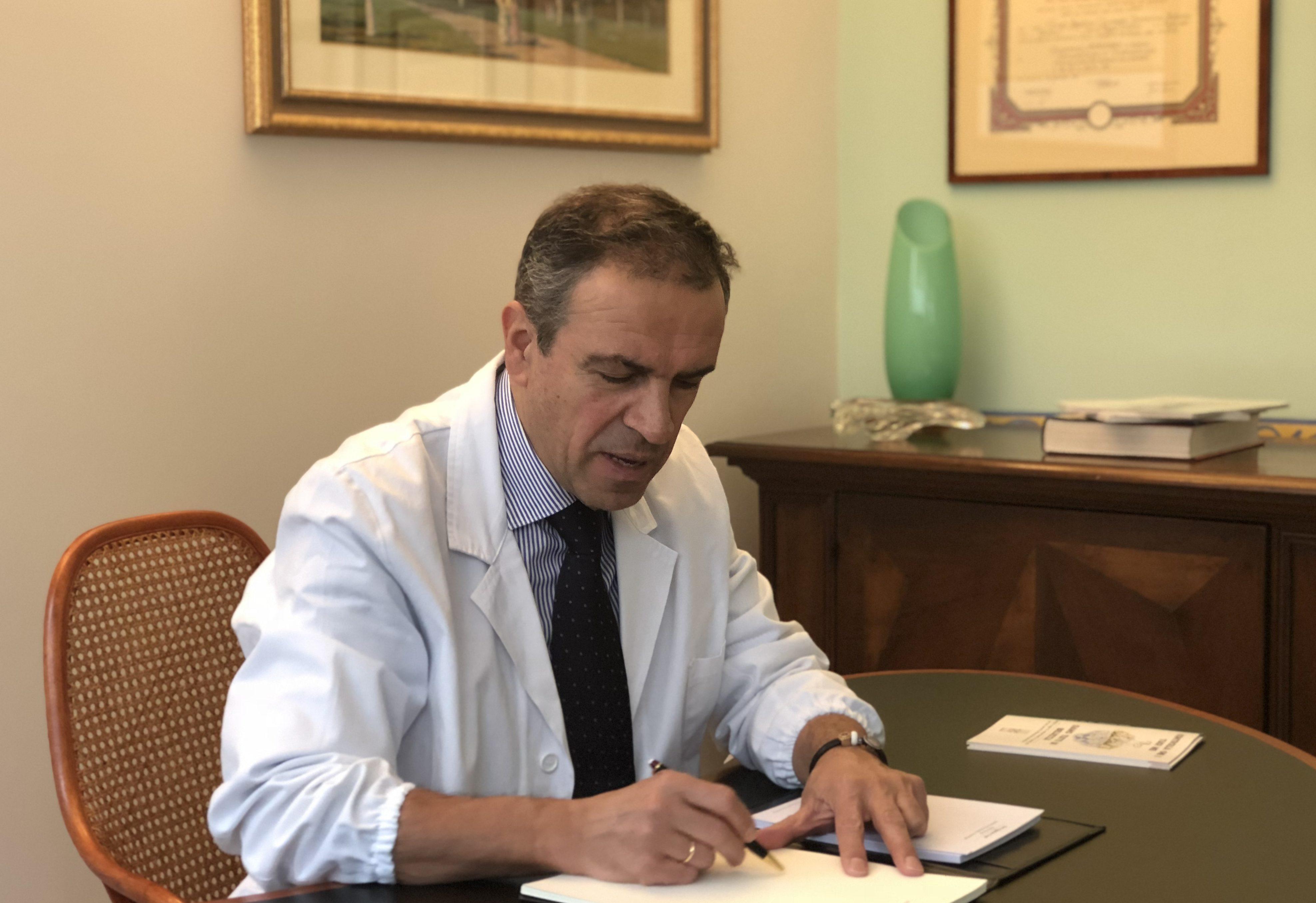 Dermatologo Novara, Agostino Crupi